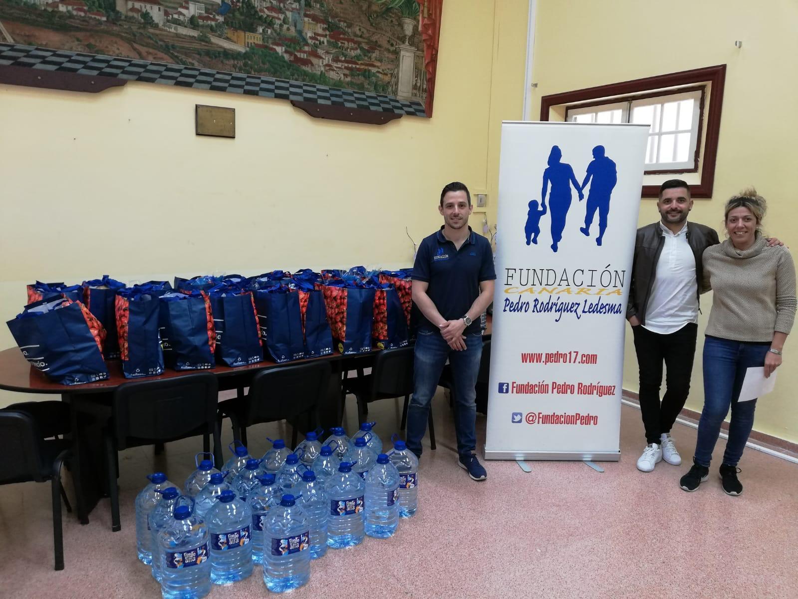 La Fundación de Pedro Rodríguez entrega pícnics solidarios a las familias del municipio de Granadilla
